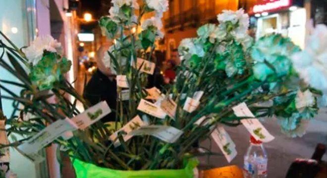 flores parlamento andaluz