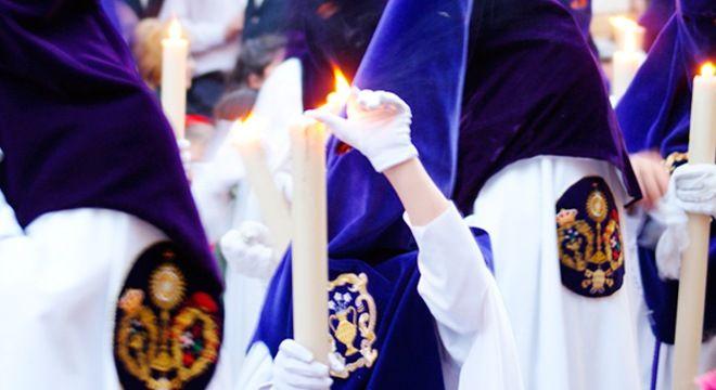 nazarenos de semana santa en andalucia