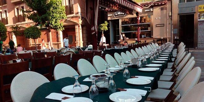 mesa en terraza del palco del parlamento para grupos