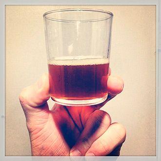 vaso con cerveza ecologica