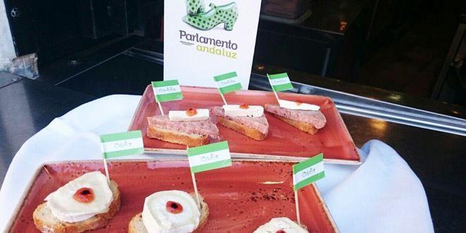 platos de tapas cadiz y cordoba en el parlamento andaluz de murcia
