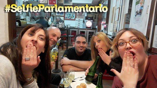 ganador-selfie-parlamentario-plaza-del-romea