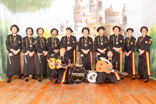 Los integrantes de la Chirigota de Beniaján